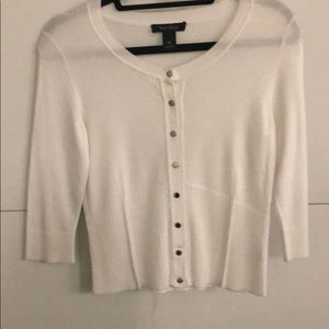 White 3/4 sleeve sweater
